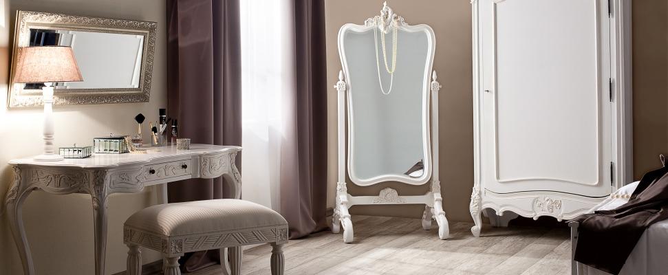 Francouzský starožitný nábytek
